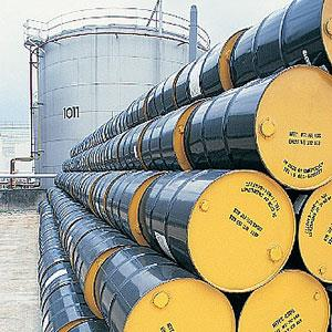 Image: Oil drums (Kevin Phillips/Digital Vision/age fotostock)