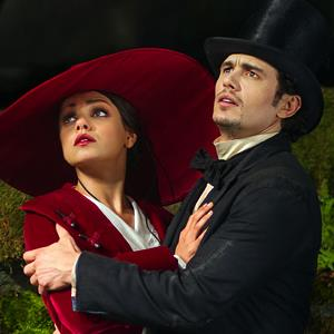 Mila Kunis & James Franco in 'Oz the Great and Powerful' (© Walt Disney/Everett/Rex Features)