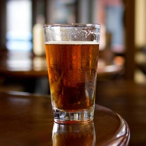 Credit: 2011 Staci Kennelly/Flickr/Getty Images&#xA; Caption: Pint of beer on bar