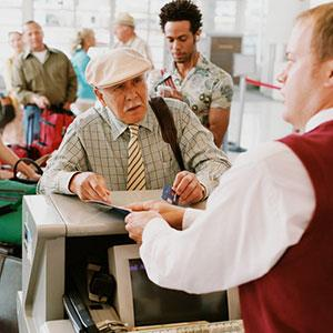 Image: Airport check-in (Digital Vision/Getty Images/Getty Images)