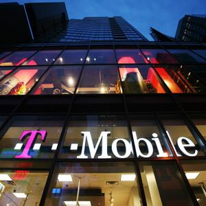 File photo of a T-Mobile store in Times Square, New York City on March 18, 2008 (© Mark Lennihan/AP)