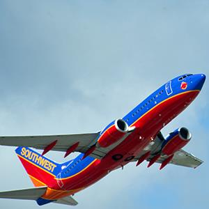 A Southwest Airlines jet takes off from Fort Lauderdale-Hollywood International Airport on February 21, 2013 (© Karen BLEIER/AFP/Getty Images)