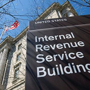File photo of the Internal Revenue Service (IRS) building in Washington, D.C., on April 6, 2011 (© Andrew Harrer/Bloomberg via Getty Images)