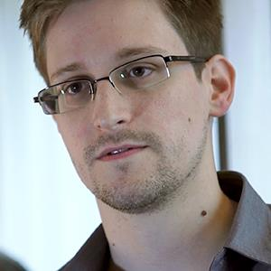 In this handout photo provided by The Guardian, Edward Snowden speaks during an interview in Hong Kong (© The Guardian via Getty Images)