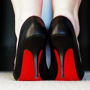 Woman wearing high heels (© Debra Cowie/Flickr/Getty Images)