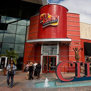 File photo of Red Robin Gourmet Burgers in Tampa, on Feb. 8, 2011 (© St. Petersburg Times/ZUMAPRESS.com)