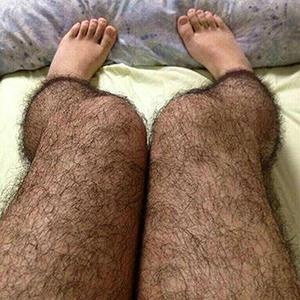 Stockings for girls that make legs look hairy (@Happy张江 via ChinaSMACK)