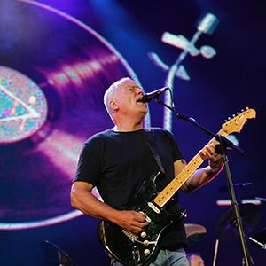 File photo of Pink Floyd's David Gilmour performing in Hyde Park in London on July 2, 2005 (© JOHN D MCHUGH/AFP/Getty Images)