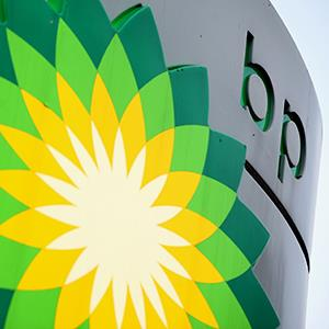 File photo of the BP logo (© Oli Scarff/Getty Images)