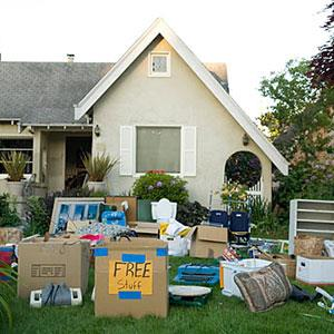 Image: Home garage sale (© UpperCut Images/SuperStock)