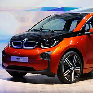 The new BMW i3 electric car is seen after it was unveiled at a ceremony in London on July 29, 2013 (© Andrew Winning/Newscom/Reuters)