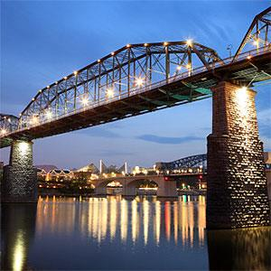 Walnut Street Bridge, Chattanooga, Tennessee Copyright Jumper, Photodisc, Getty Images
