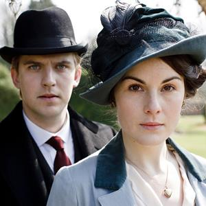 Dan Stevens & Michelle Dockery as Matthew Crawley & Lady Mary Josephine Crawley in 'Downton Abby' (© PBS)