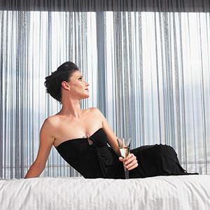 Wealthy woman (© moodboard/Corbis)