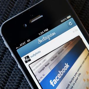 Illustration of an Instagram photo of the Facebook website app © Justin Sullivan/Getty Images