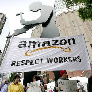 Several hundred protesters rally outside the Amazon.com shareholders meeting © MARCUS DONNER/Newscom/R