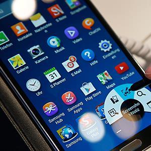 A Samsung Galaxy Note 3 Smartphone © Michael Sohn/AP