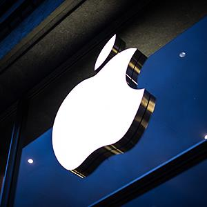 The Apple logo on an Apple store facade © Maja Hitij/epa/Corbis