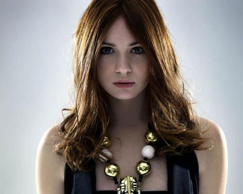Karen Gillan, who stars as Amy Pond in Doctor Who, has said she would like a role on Community.