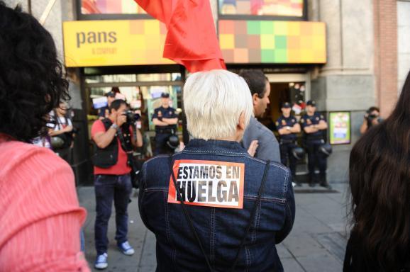 Imagen de un trabajador en huelga en España. Foto: GTres