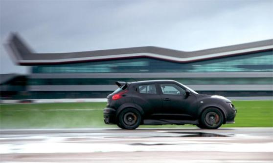 Nissan Juke-R - be glad that it exists (c) Nissan