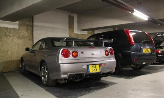 Nissan Skyline GT-R R34 (c) Motoring Research