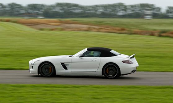 Mercedes-Benz SLS AMG Roadster - (C) Mercedes-Benz