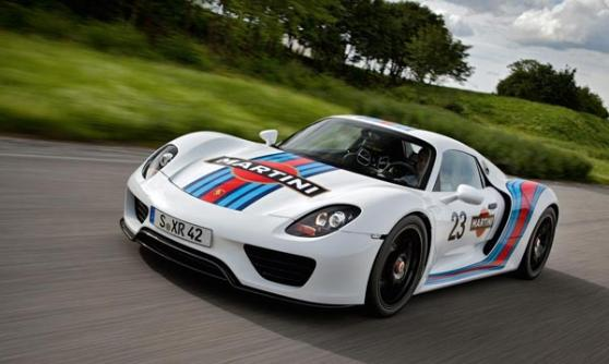Porsche 918 Spyder in Martini Racing colours (c) Porsche