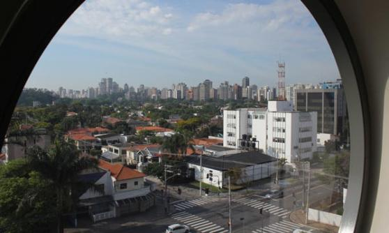 Sao Paulo from the window of the Unique Hotel (c) CJ Hubbard / Motoring Research