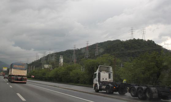 Driving in Brazil (c) CJ Hubbard / Motoring Research