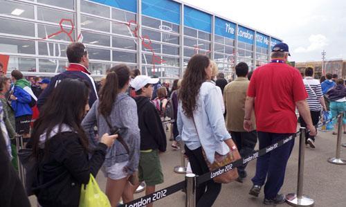 Tienda de souvenires en el Parque Olímpico. Foto : Lara Viejo