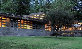 Frank Lloyd Wright's Gerald B. Tonkens House in Cincinnati is for sale for the first time. (Courtesy of Realtor.com)