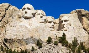 Mount Rushmore, South Dakota © SuperStock