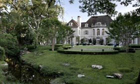 The Crespi/Hicks Estate (© Douglas Newby)