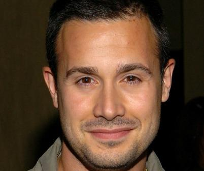 'Freddie Prinze Jr.' '/' Lifetime