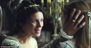 Liberty Ross, playing Snow White's mother.