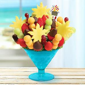 Edible Arrangements' Fun in the Sun-tini. Courtesy of Edible Arrangements via Facebook, www.facebook.com/ediblearrangements