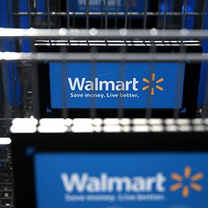 Wal-Mart shopping carts (© Justin Sullivan/Getty Images)
