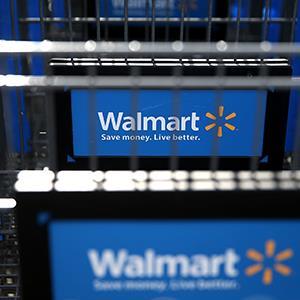 Wal-Mart shopping carts (© Justin Sullivan/Getty Images)