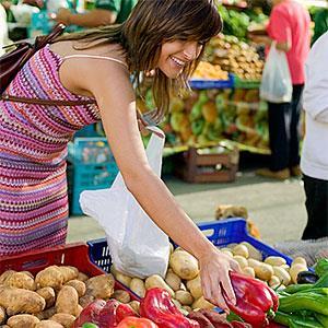 Image: Grocery shopping © IT Stock Free/Jupiterimages