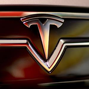 The front of a Tesla Motors vehicle © Joe Raedle/Getty Images