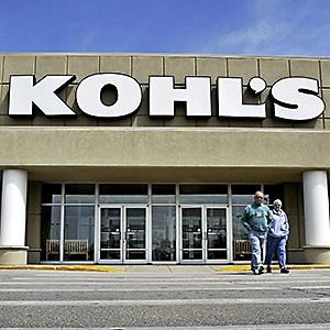 People leave the Kohl's Department store in Waukesha, Wisconsin © Morry Gash/AP