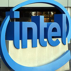 The Intel logo is displayed outside of the Intel headquarters in Santa Clara, Calif. © Justin Sullivan/Getty Images