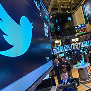 The Twitter symbol is displayed on the floor of the New York Stock Exchange © Brendan McDermid/Reuters