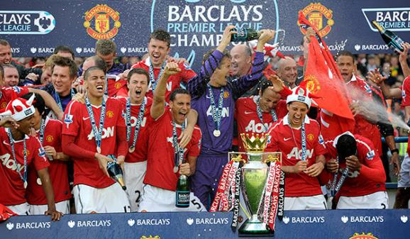 Manchester United lift Premier League title - PA