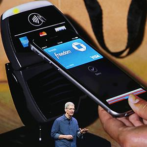 Apple CEO Tim Cook talks about Apple Pay at an Apple special event on September 9, 2014 in Cupertino, Calif. © Justin Sullivan/Getty Images
