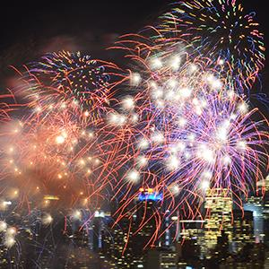 Fireworks explode over the Hudson River during the Macy's Independence Day celebration in 2013 Credit: © Wang Lei/REX