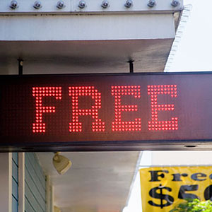 Free sign © ThinkStock/SuperStock