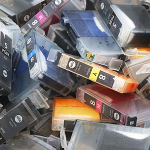 Ink cartridges ready for recycling © ermingut/ iStock / 360/Getty Images