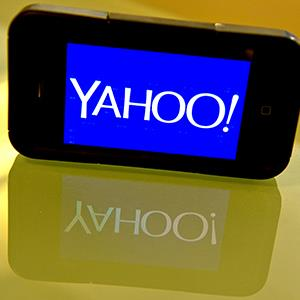 Yahoo logo on a smartphone (© KAREN BLEIER/AFP/Getty Images)